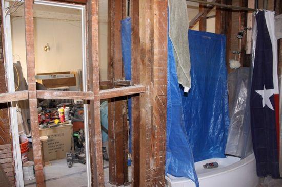 Bydlení - přestavba: holá kostra budovy