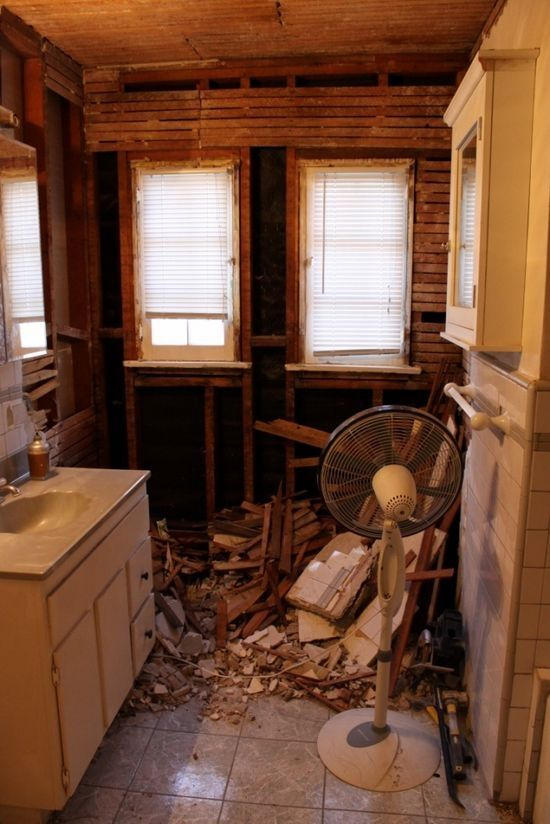 Bydlení - přestavba: odstranění původních obkladů