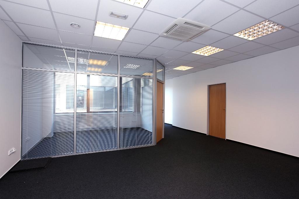 kanceláře k pronájmu