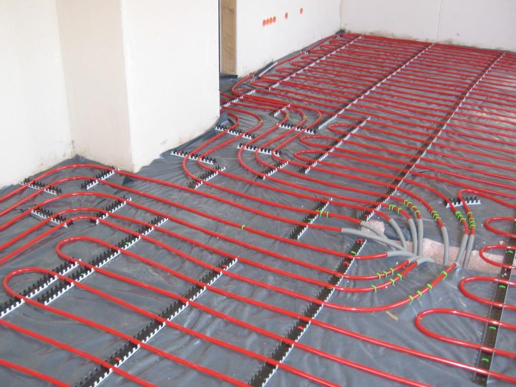 Underfloor_heating_pipes